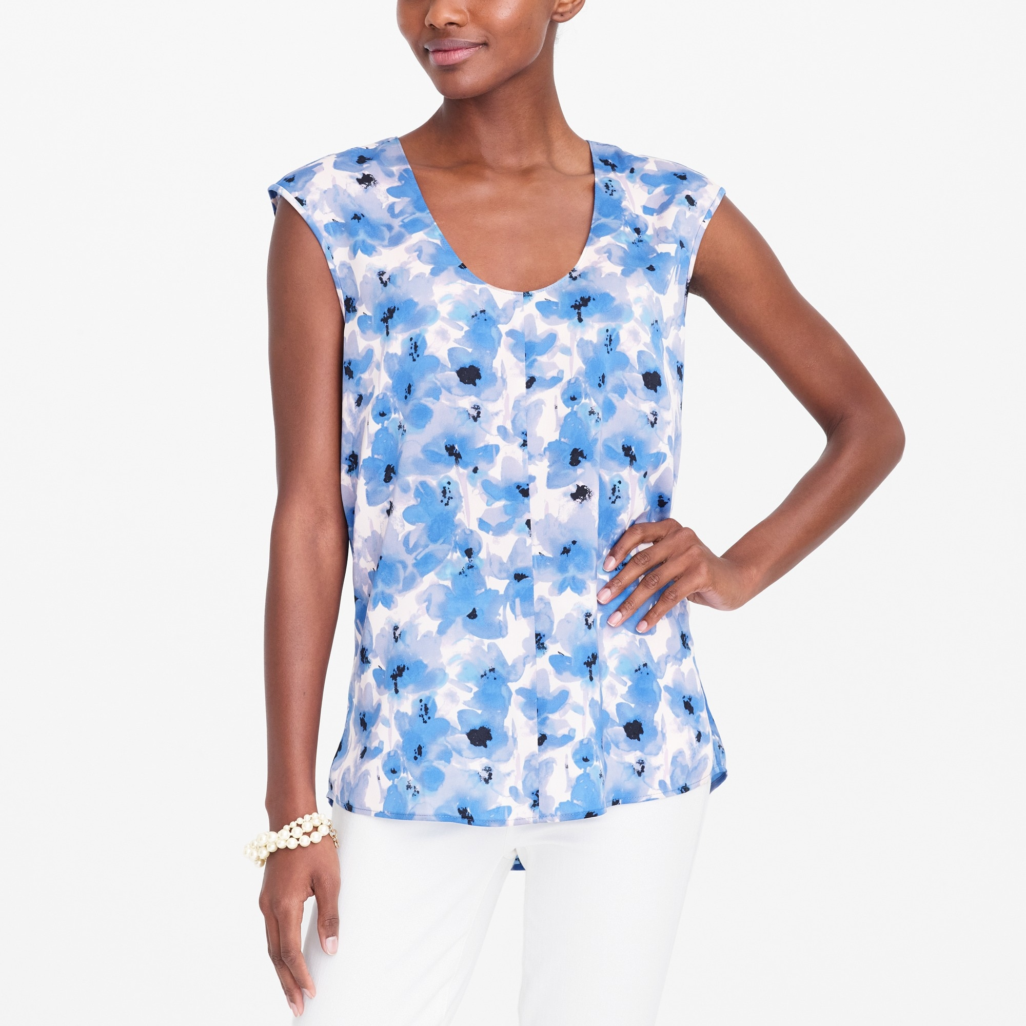 Printed cap-sleeve shirttail blouse