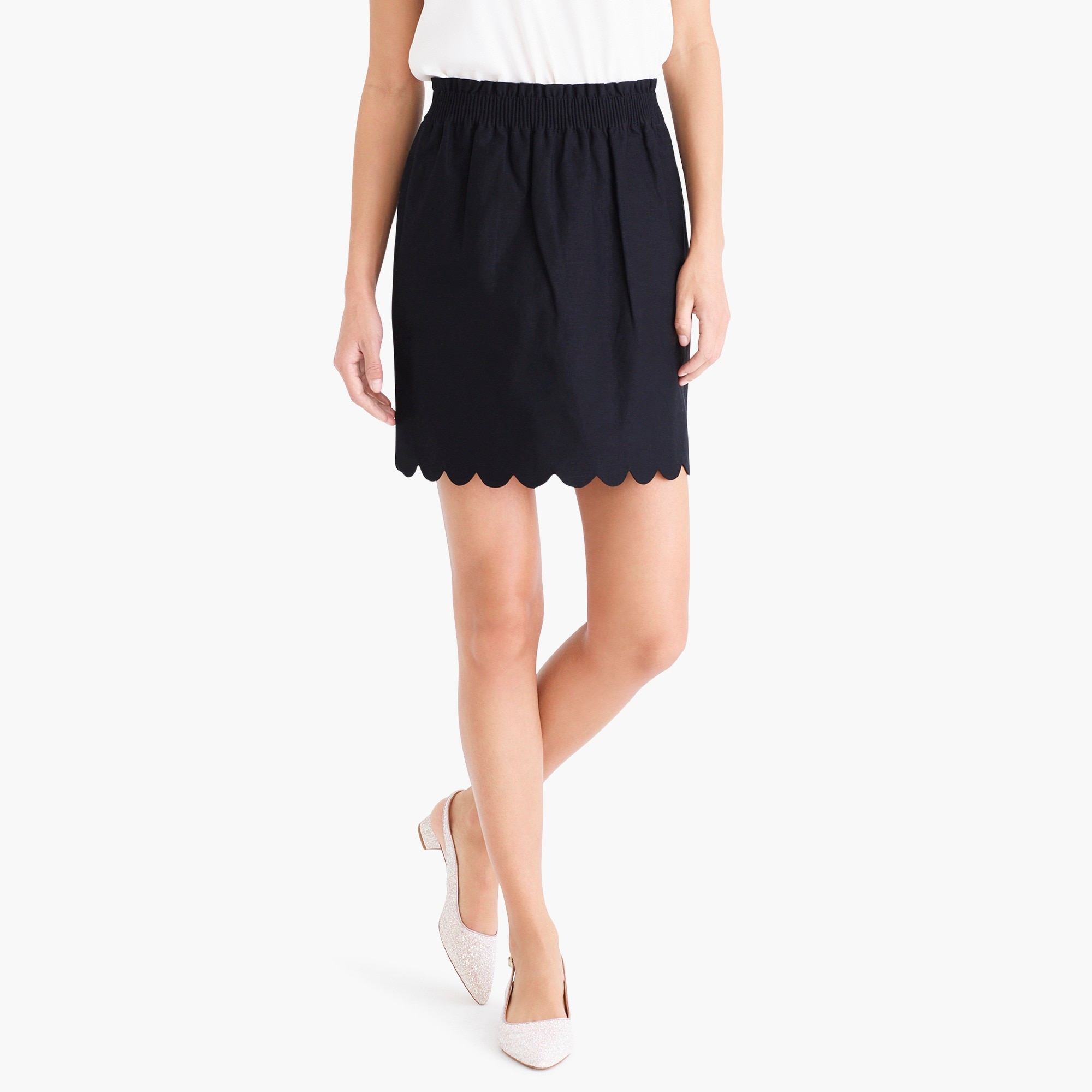 Scalloped sidewalk skirt factorywomen the score: tie-shoulder t-shirts and sidewalk skirts c