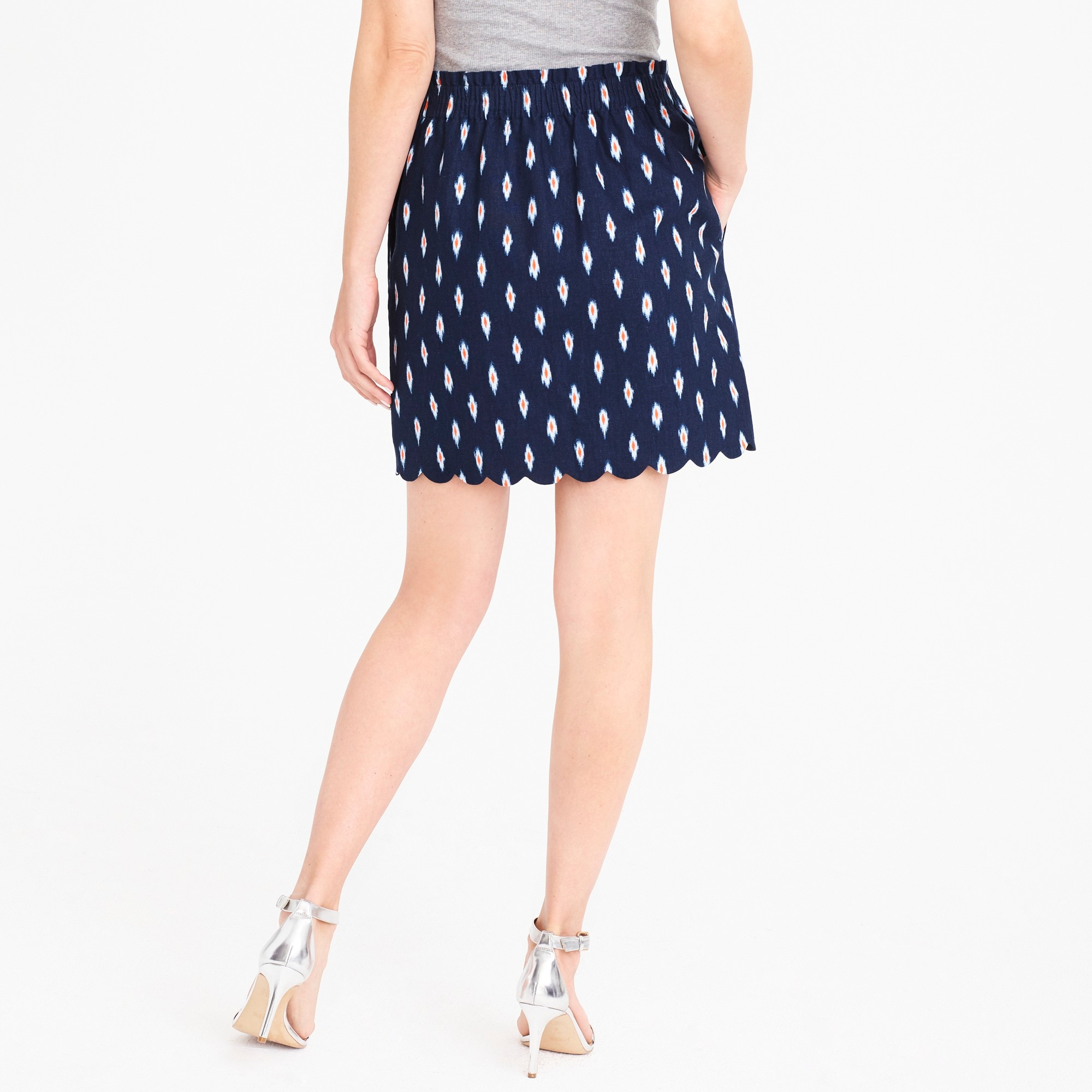 Printed scalloped sidewalk skirt