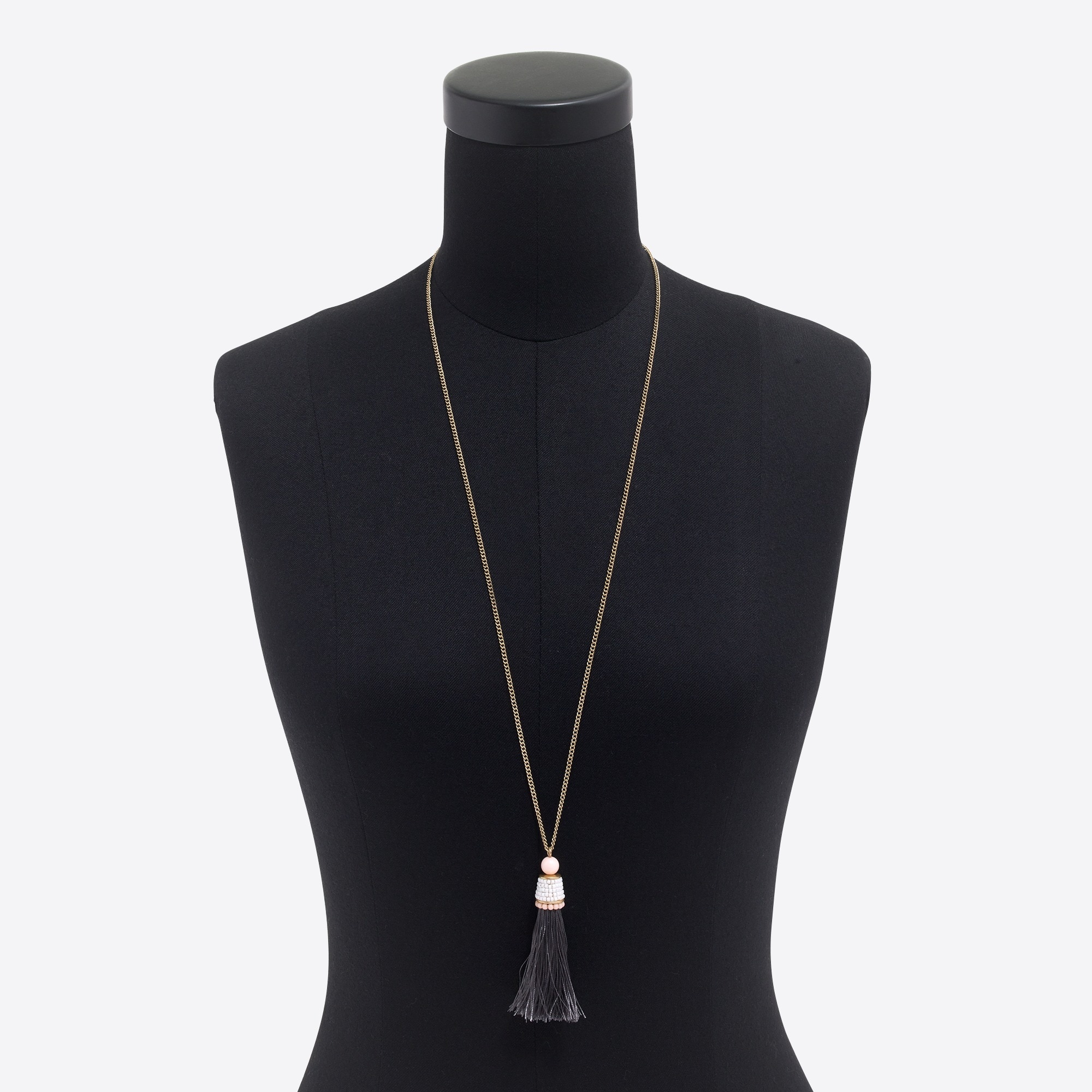 Thread tassel pendant necklace
